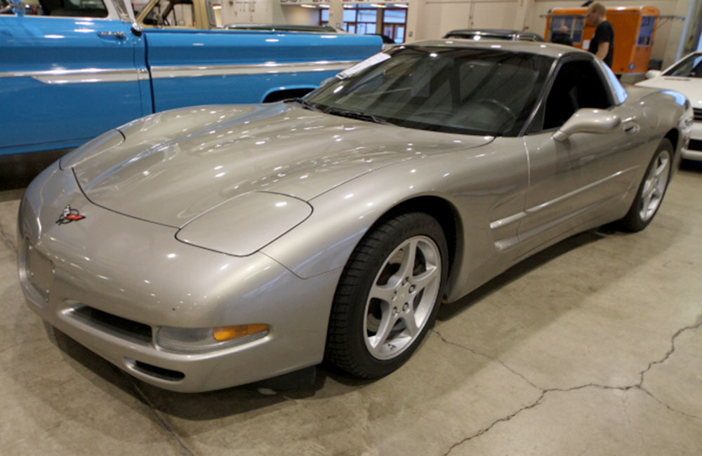 2001 Chevy Corvette Silver
