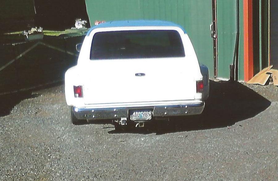 1984 Chevy Suburban Dually  BLue & White