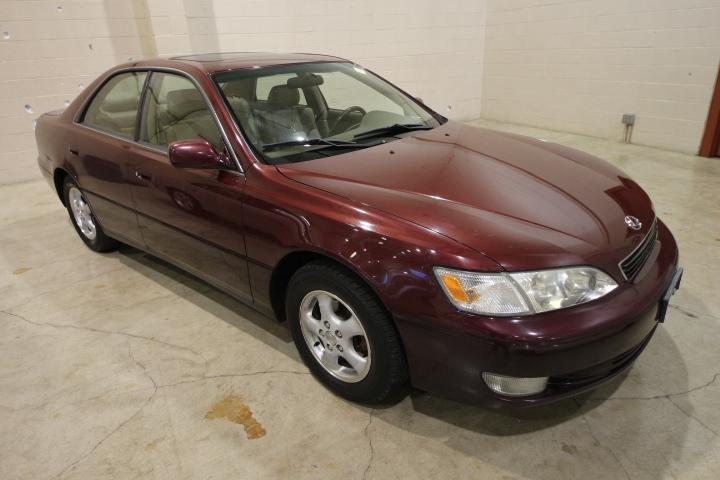 1997 Lexus ES300 Maroon
