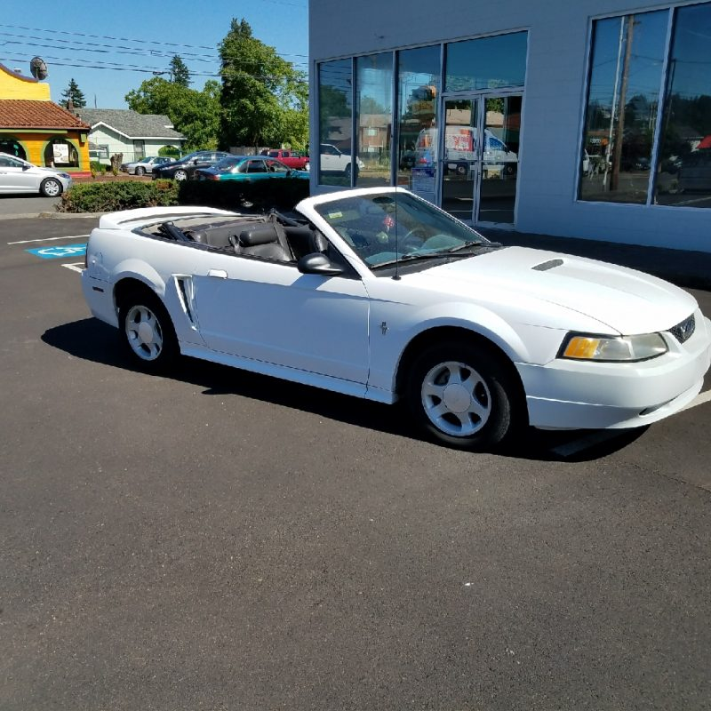 2000 Ford Mustang Convertible White