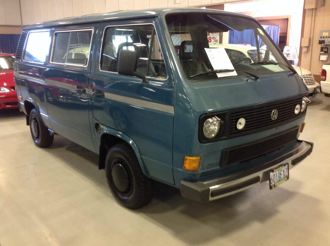 1985 VW Vagon Blue
