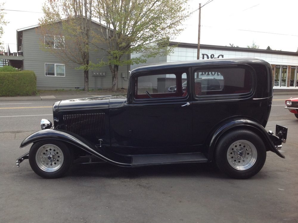 1932 Ford 2 door Sedan Black
