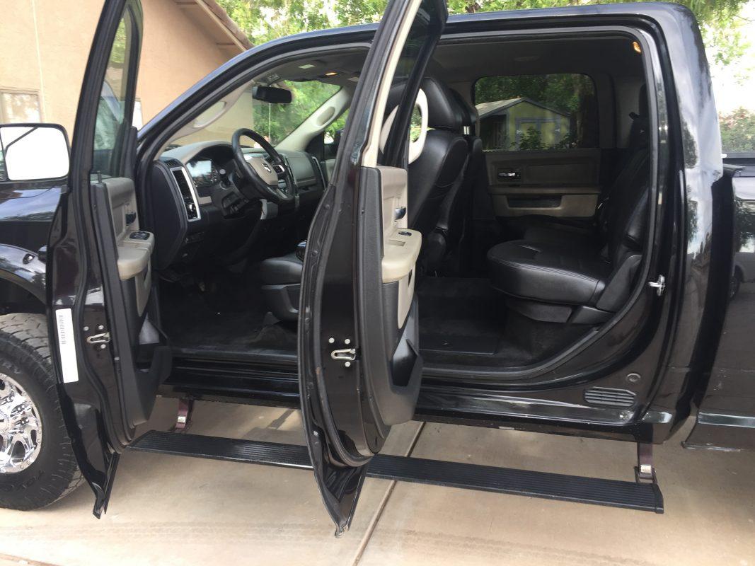 2011 Dodge PU Crew Cab Black