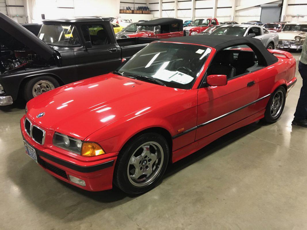 Lot 15 .      1998 BMW 323