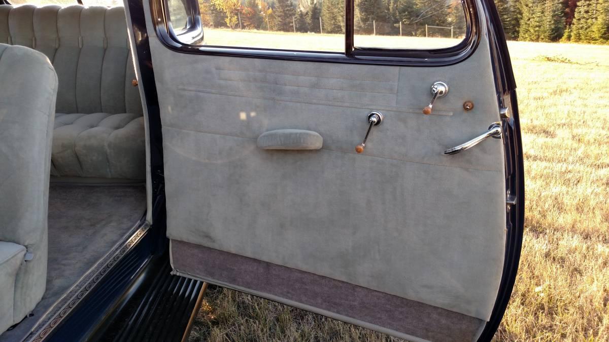 1935 Oldsmobile 2 door Sedan Blue