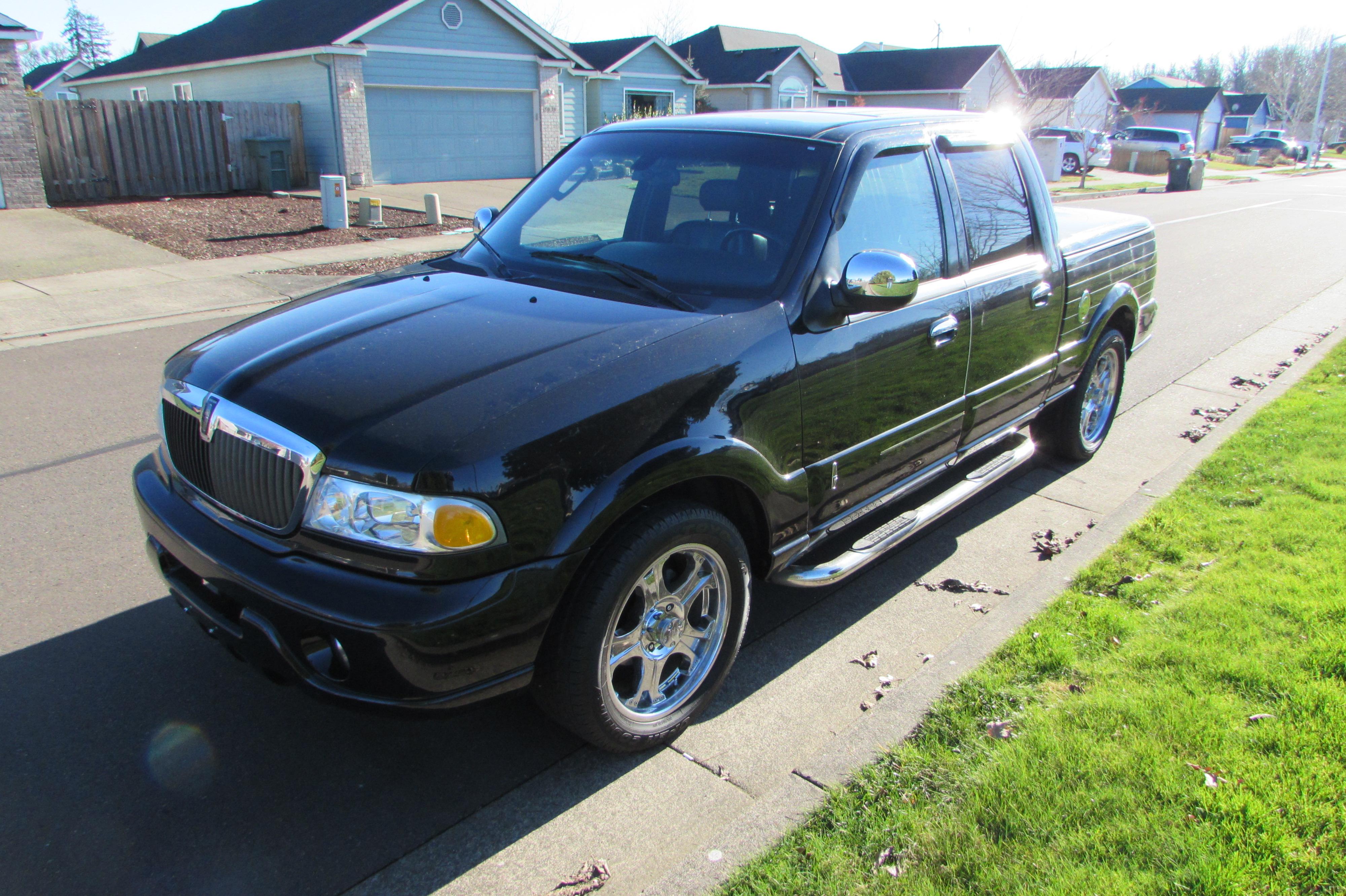 2002 Lincoln Blackwood  Pick Up